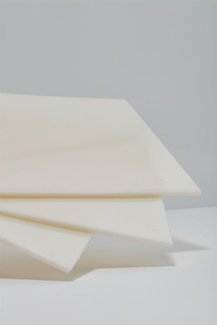 Hytrel® RS  A high-flow ,low modulus renewably sourced thermoplastic elastomer that is suitable for injection molding processes.It is plasticizer free and contains at least 50% renewably sourced polyether glycol derived from non-food biomass along with UV protection additives, heat stabilizers, and flame retardants.  MC 2252-08