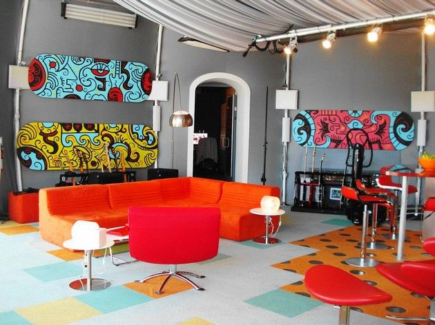 gorgeous-living-room-decorating-ideas-sweet-orange-l-shape-sofas-with-red-custom-tables-white-granite-floors-also-white-shade-standing-lamps gorgeous-living-room-decorating-ideas-sweet-orange-l-shape-sofas-with-red-custom-tables-white-granite-floors-also-white-shade-standing-lamps
