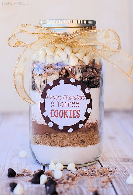 Two great cookies in a jar recipes: double chocolate toffee and chocolate peppermint. Great gift idea!