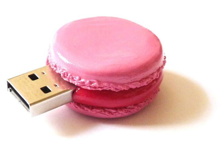 Clé USB macaron fraise 4GO