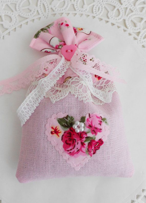 Cottage chic Lavender sachet by picocrafts on Etsy