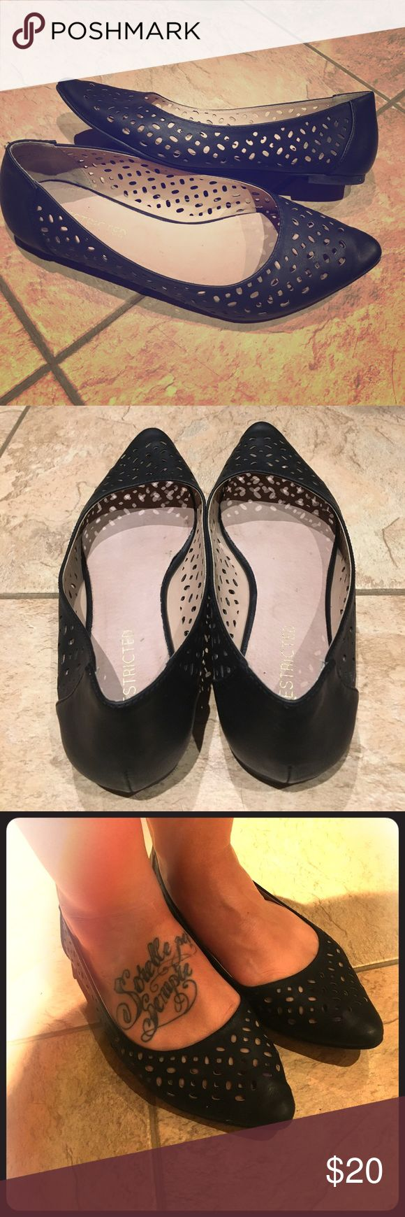 Restricted cut out flats Black leather cut put flats. Perfect with any outfit. Cute and comfortable. Minimal wear! Restricted Shoes Flats & Loafers