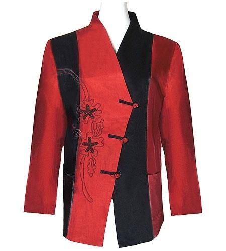 Veste chinoise femme rouge sur la cité interdite