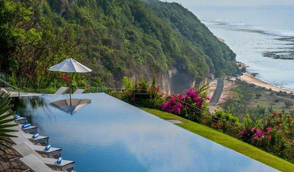 For lodging or hotel available in Pandawa Beach or you can also book hotels in Nusa Dua Uluwatu or to eat well and do not need to worry about it is definitely a variety of food available here or if you want to buy souvenirs crafts are also available