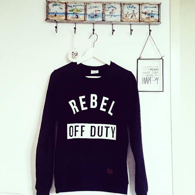 Thanks to @colourfulrebel  #rebel #colourfulrebel #ootd #weekend #essentials #interior