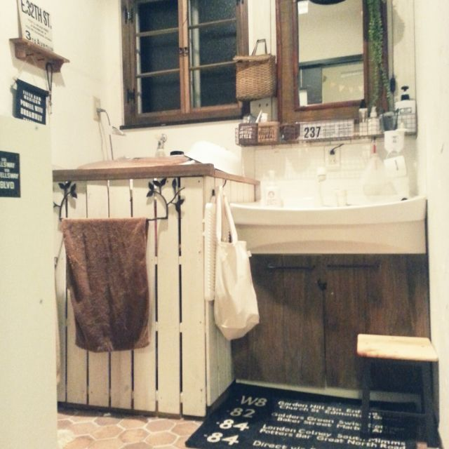 okeiさんの、バス/トイレ,DIY,窓枠DIY,セリア雑貨,洗濯機リメイク,洗面台リメイク,洗濯機カバーDIY,のお部屋写真