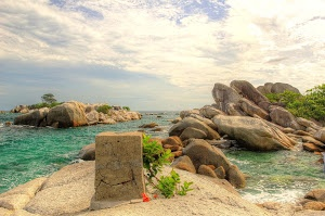 Lengkuas Island by Harsono Chin - @belitung, indonesia Click on the image to enlarge.