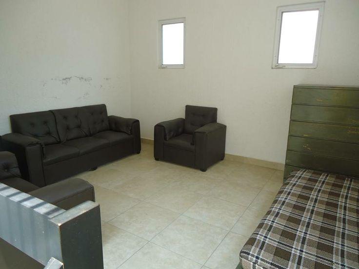 Sala ubicada en el segundo piso de Casa Tul, Casa en renta por fin de semana en Lomas de Cocoyoc. www.cocoyocbienesraices.com.mx