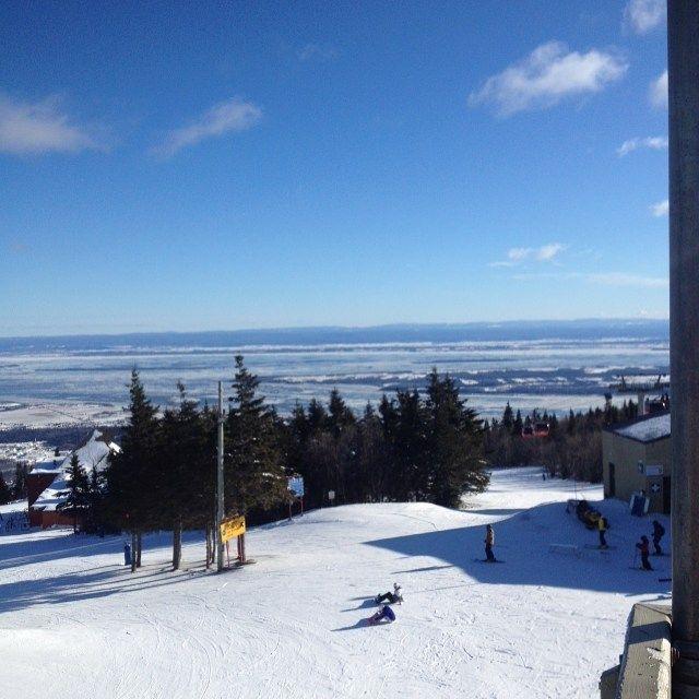 Belle journée de ski au Mont-Sainte-Anne #MêmeSiCestSaGlace #BecauseRunningIsForPussies #MSA #sommetsstlaurent #îledorléan #AnseAuxCanards #Glaciel #Bae #BouclierCanadien #Appalaches #BassesTerresDuSaintLaurent #FailleLogan #BlueSky @mylenestcyr