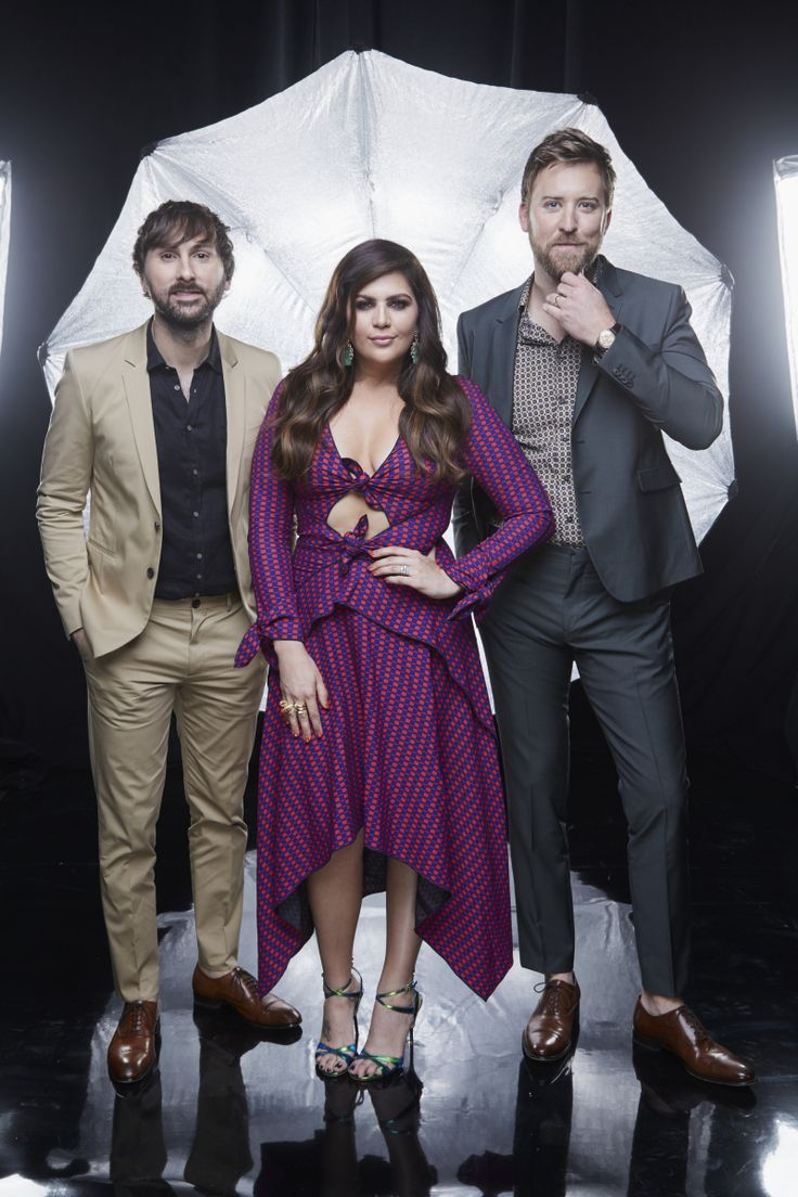 Lady Antebellum pose for a photograph at the photo booth THE 52ND ACADEMY OF COUNTRY MUSIC AWARDS®, broadcast LIVE from T-Mobile Arena in Las Vegas Sunday, April 2 (8:00-11:00 PM, live ET/delayed PT) on the CBS Television Network. Photo: Monty Brinton/CBS ©2017 CBS Broadcasting, Inc. All Rights Reserved
