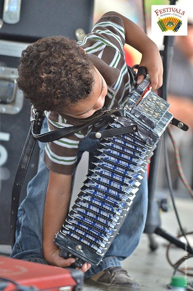 Young Cajun! play dat music  <3