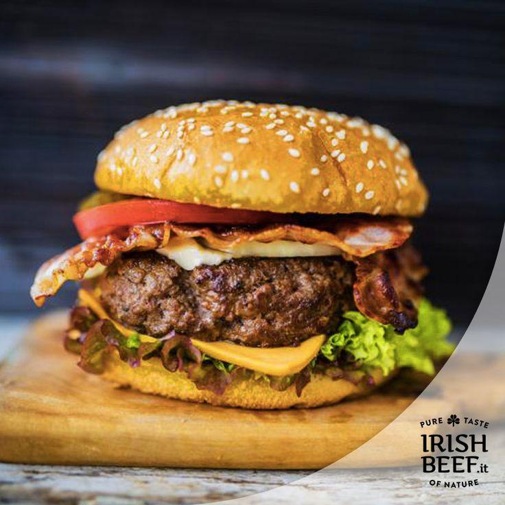 Il burger perfetto che sposa la qualità del manzo e la regionalità degli ingredienti ma... in versione mini. Perfetto per degli aperitivi o delle cene alternative: #Beef #Irishbeef #manzo #Miniburger #ricetta #hamburger http://irishbeef.it/mini-hamburger-saporiti-di-manzo-con-relish-di-pomodoro-speziato-2/