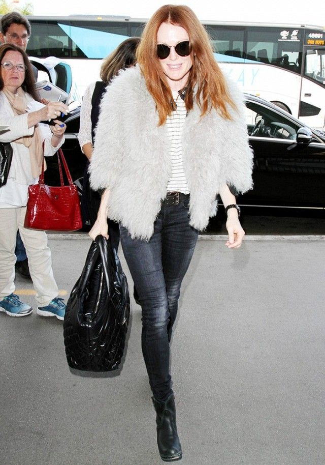 Julianne Moore Has a Genius Styling Trick to Ensure Every ...