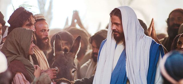 This video helps us remember the true meaning of Easter - Jesus Christ. You should probably watch this now. #BecauseHeLives