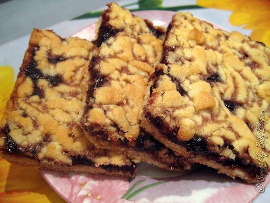 """В детстве мама часто готовила этот пирожок, у нас он назывался \""""полоска\"""". Простой рецепт, не сложный в приготовлении, и вкусный))"""