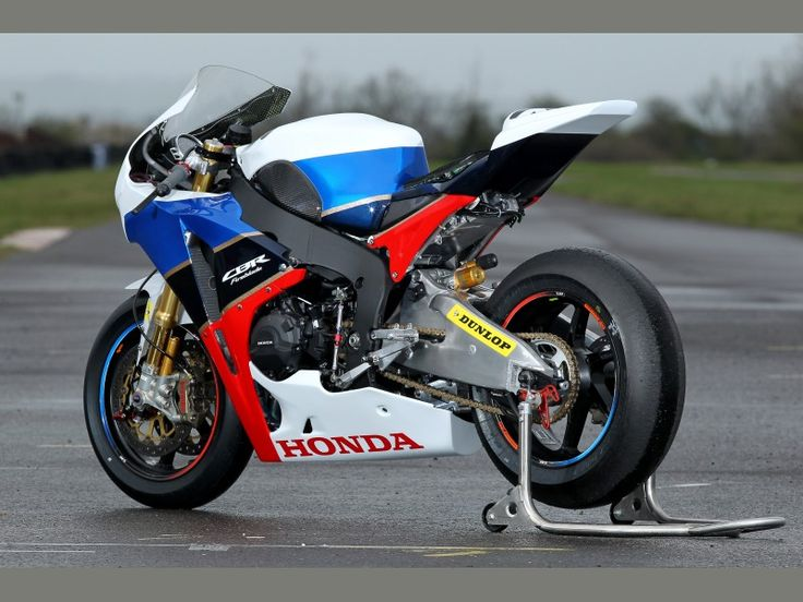 Racing Caf 232 Honda Cbr 1000 Rr Team Honda Tt Legends 2011
