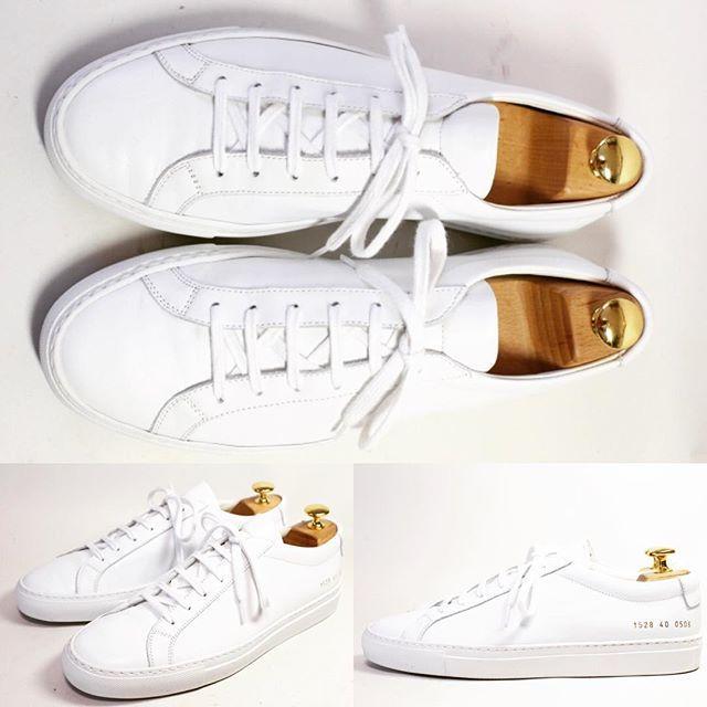 2017/05/30 20:51:22 shoesaholic1 COMMON PROJECTS WHITE SNEACKER. * 白いスニーカーの映える時期になってきましたが、贅沢な作りのCOMMON PROJECTSの靴はとってもオススメです * スポーツブランドの白スニーカーも格好良いですが、COMMON PROJECTSの靴はちょっぴりリッチな気分になりますね!! * ITEM ID : 483 * #commonprojects  #シューホリック #shoes #Mensshoes #shoepolish #boots  #Mensfashion #bespoke #tailar #stylish #fashiongram #instastyle #lookbook #luxury #gentleman #styleforum #ootd #高級靴 #靴磨き #足元くら部 #足元倶楽部  #高級 #オールデン #パラブーツ #ジョンロブ #エドワードグリーン  #クロケットアンドジョーンズ