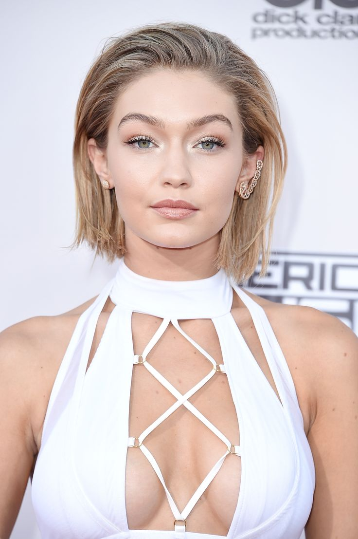 Gigi Hadid Faked A Bob Haircut Last Night, And Here's How She Did It Warning: this look will make you want to get a bob.