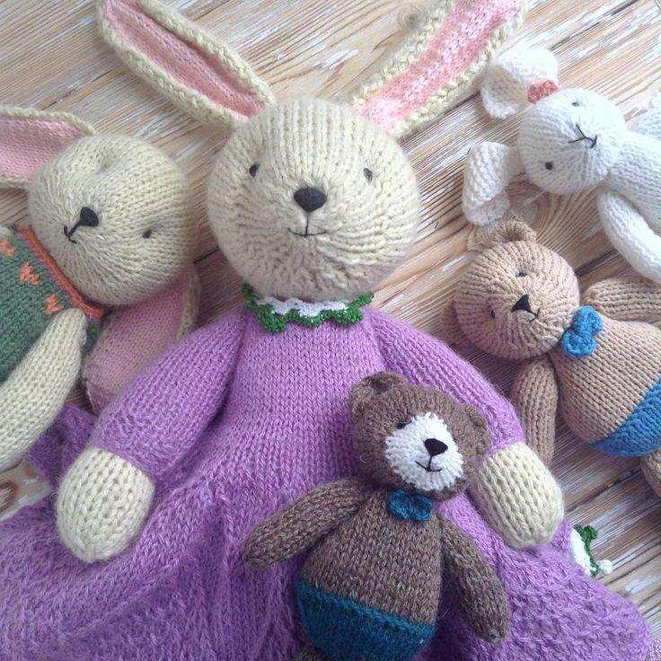 211 отметок «Нравится», 7 комментариев — Ekaterina Bondarenko (@bunnysband) в Instagram: «Good day to all! Here is happy bunny's band with bears 🐻🐰😀 they wish u all the best!»