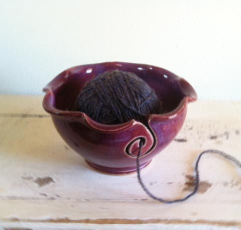 yarn bowl!  i need this!: Gift Ideas, Knitting Bowl, Idea Combining, Ceramic Yarn Bowl, Ceramic Art Ideas, Great Gifts, Wool, Ceramics Ideas Pottery, Ceramic Pottery Ideas