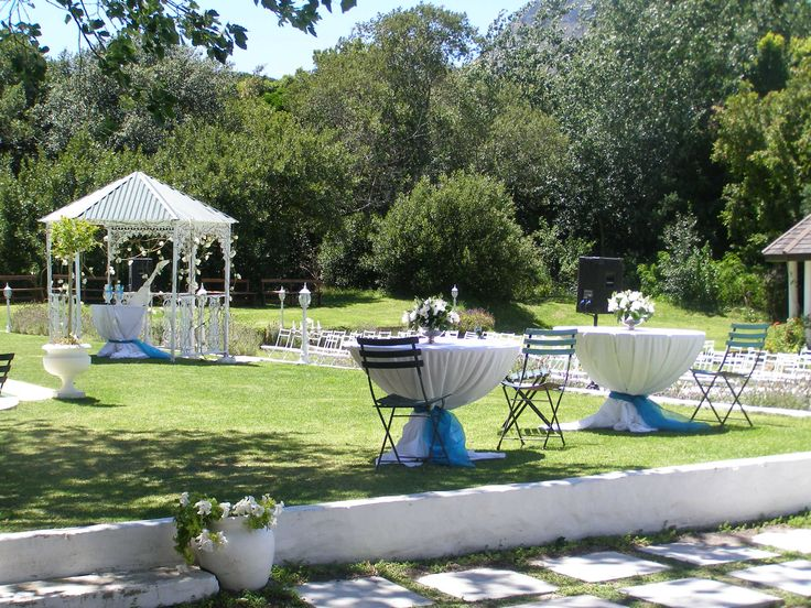 Riverside Estates is an elegant guesthouse, wedding, function and conference venue.