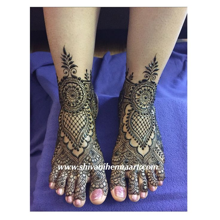 Henna with style and passion !!  For the booking questions, please email us on ✉️shivanihennaart@gmail.com  www.shivanihennaart.com  #henna #brampton #Mehndi #bride #bridal #wedding #weddings #hennadesign #Toronto #hennaart #shivanihennaart #brampton #hennaartist #indianwedding #bridalhenna #bramptonhennaartist #mehendi #mississauga #mississaugahenna #mississaugahennaartist #bramptonhenna #torontohennaartist #torontohennaart #torontohenna #torontohennaartists