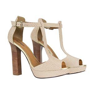 Salto grosso + detalhes em dourado nessa sandália super glamourosa e confortável!