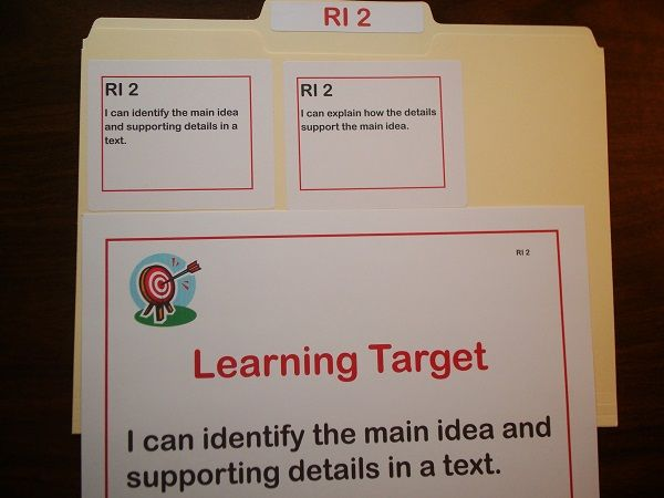 3rd Grade Common Core Labels - These are editable color coded file labels with a simple abbreviated numbering system to help organize your common core materials.  $