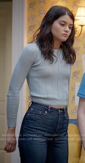 Sabrina's blue ribbed sweater on The Mick.  Outfit Details: https://wornontv.net/65969/ #TheMick
