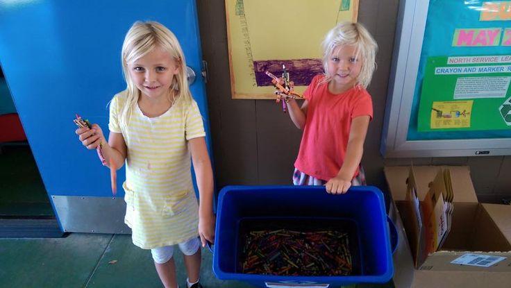 The Crayon Initiative, es el nombre de una fundación sin fines de lucro que recoge crayones desechados, los recicla, crea unos nuevos y los dona a niños internados en hospitales