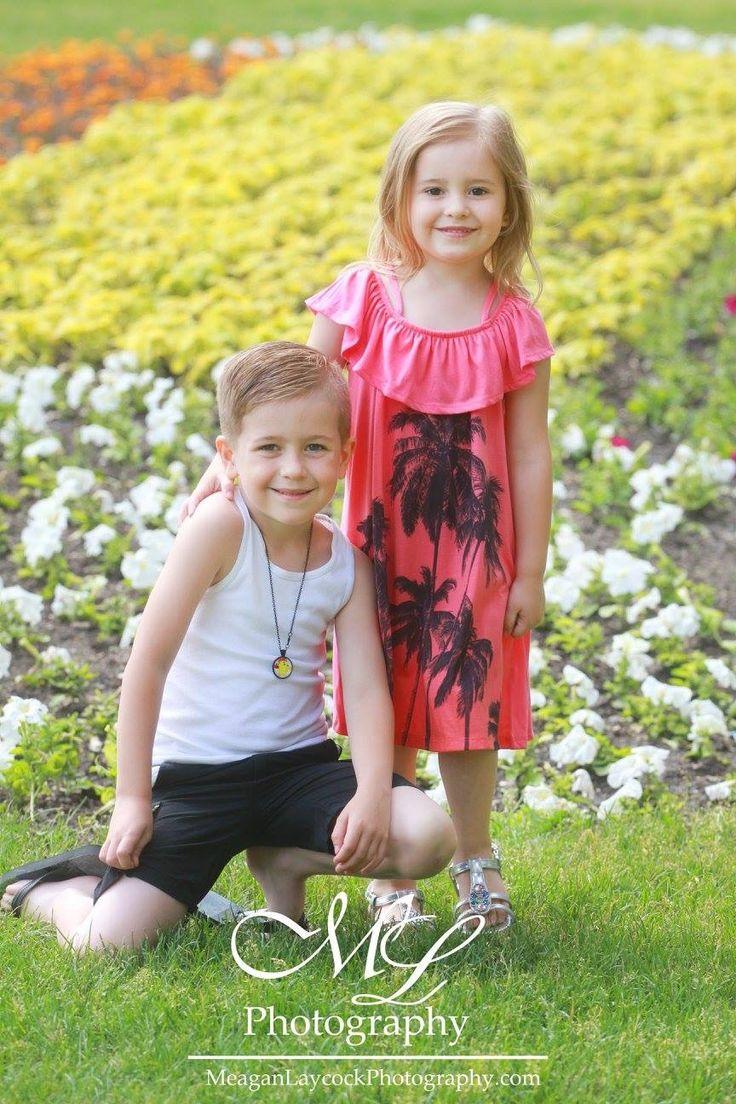 Saskatoon family photography  Meagan Laycock Photography.  MeaganLaycockPhotography.com
