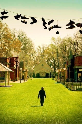 an interesting scene from the movie Big Fish!
