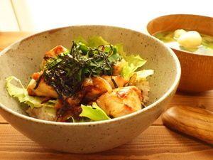 タニタ食堂レシピ鶏の「梅風味丼」(431kcal)