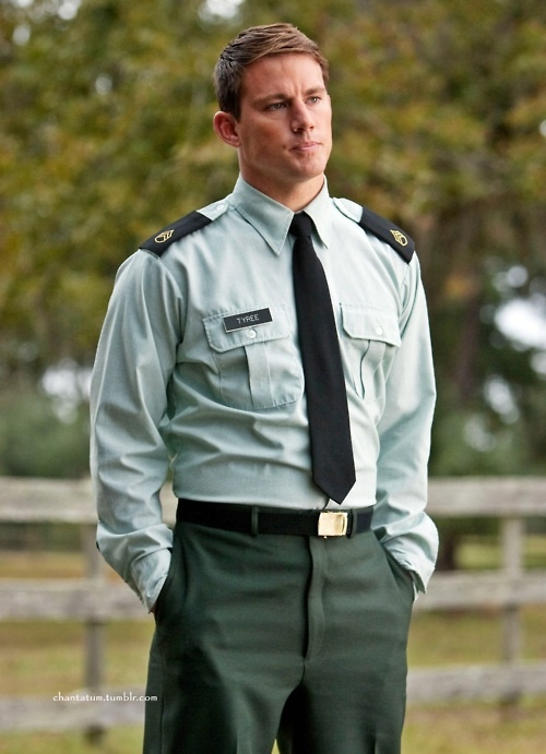 the only thing better than Channing Tatum in uniform...is Channing Tatum as a soldier. good lord.