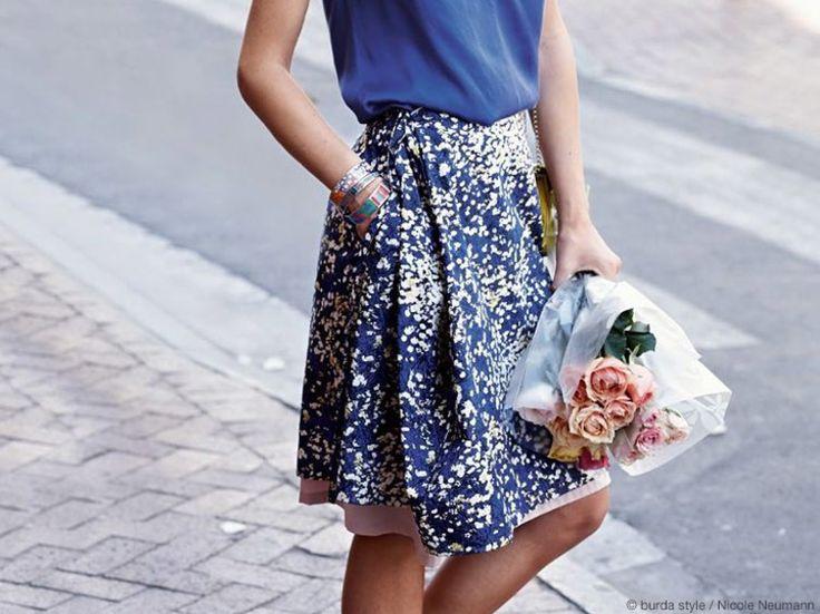 DIY-Anleitung: Wickelrock mit Unterrock nähen, Dein Sommeroutfit / DIY tutorial: sewing wraparound skirt with underskirt, your summer outfit via DaWanda.com