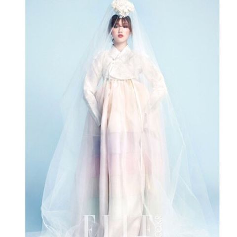 Look at this sheer skirt that revealed beautiful undergarment!!♥ A perpect Wedding Dress~~★ #hanbok #hanbokdress #weddingdress #hanboklynn #MarieClaire #sheer #layered  #한복린 #한복 #한복드레스 #한국 #마리끌레르 #무지기치마 #레이어드#이성경#닥터스