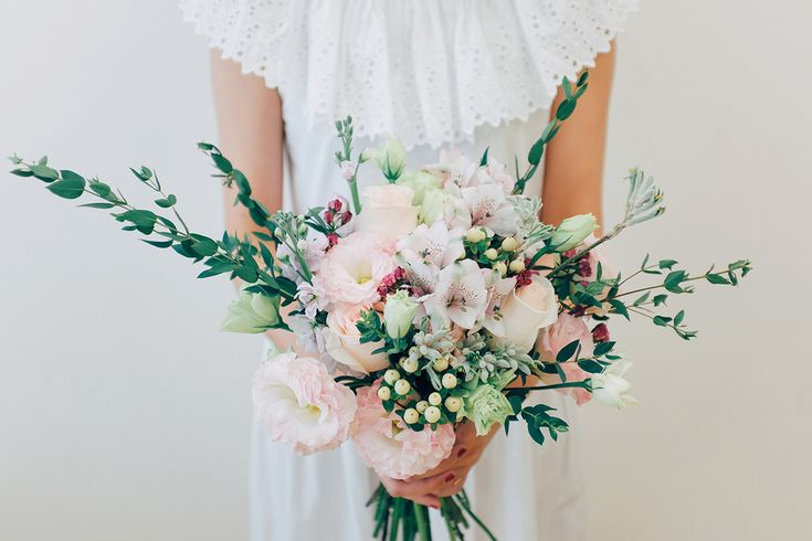 Runaway Flowers is designed to bridge the gap between standard-issue bridal package wedding bouquets, and exquisite but pricey bespoke blooms.
