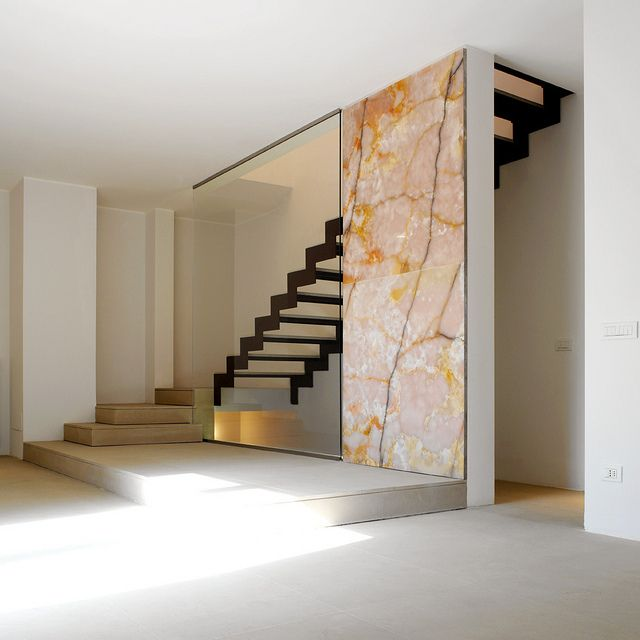 16 Elegant Traditional Staircase Designs That Will Amaze You: 26 Best Images About Under Stairs Deco On Pinterest