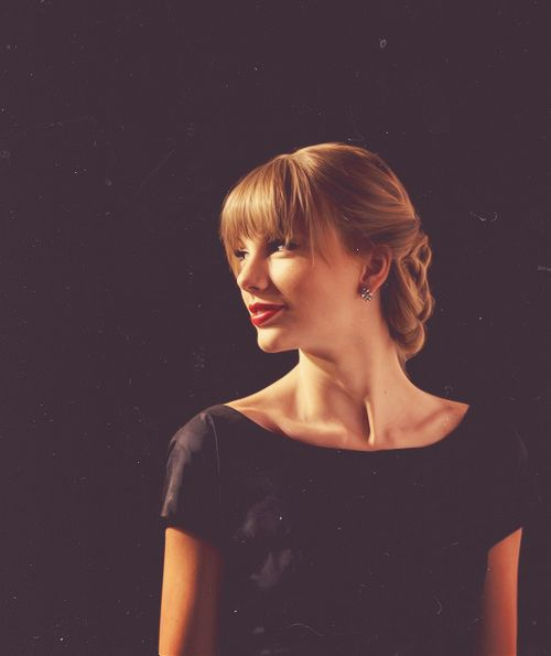 I like Taylor Swift because she has great music but that's not all...she follows her dreams...and that's AWESOME