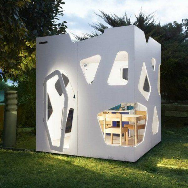 cabane de jardin pour enfant, un design blanc et chic