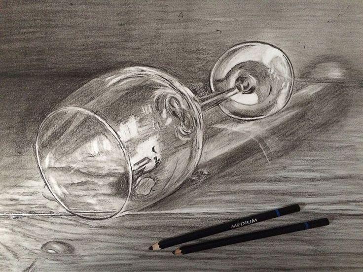 houtskool tekening wijnglas
