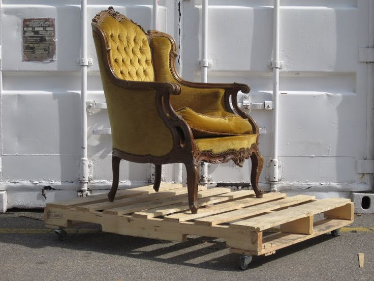 UPCYCLING FURNITURE: Milan on wheels. Public Design Festival