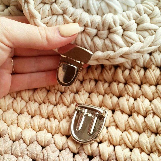 В Наличии!!! 1300₽ ремешки на выбор - стропа,цепочка,текстиль! Возможен повтор в другом цвете!☕ #текстильнаяпряжа #пряжалента #рюкзаккрючком #сумки #вязаниекрючком #вяжудлявас #моимируками #вналичии