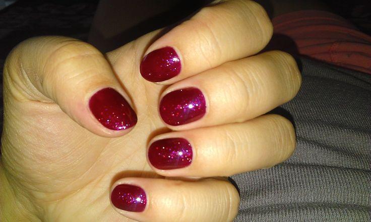 semipermanent nail polish