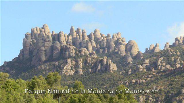 Masia en #El Bruc #Barcelona    Preciosa masía de 1781 restaurada y decorada por completo hasta el último detalle en 1995. Se han mantenido los materiales originales y se han repuesto otros, hechos en su totalidad manualmente con el estilo rústico de la época. Se encuentra integrada dentro del Parque Natural de la Montaña de Montserrat    SEP FINQUES | M: 677415782 | Ronda Universitat 7 - BCN - info@sepfinques.com    http://qoo.ly/d3axz