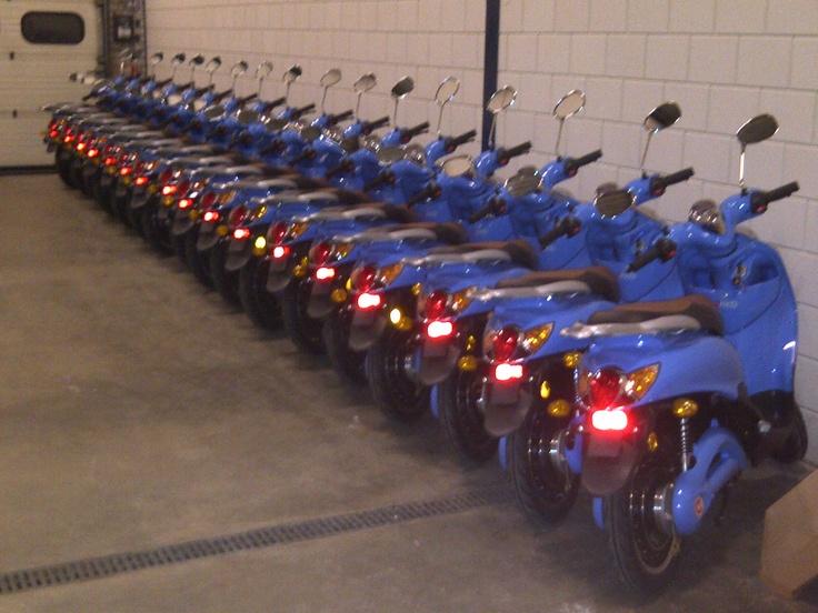 Dat zijn pas veel #emco scooters bij elkaar!