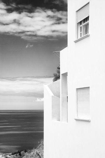 Nieuw in mijn Werk aan de Muur shop: Witte huis met uitzicht op de oceaan