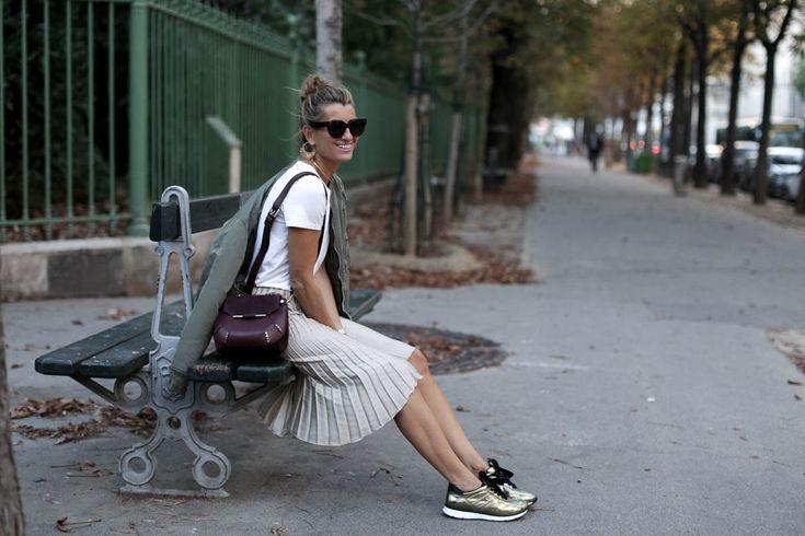 blogger-streetstyle-falda-plisada-sandro-bag-bolso-moda-paris-pfw-hogan-bomber-iro-bartabac-blog-fashion-silvia_-4