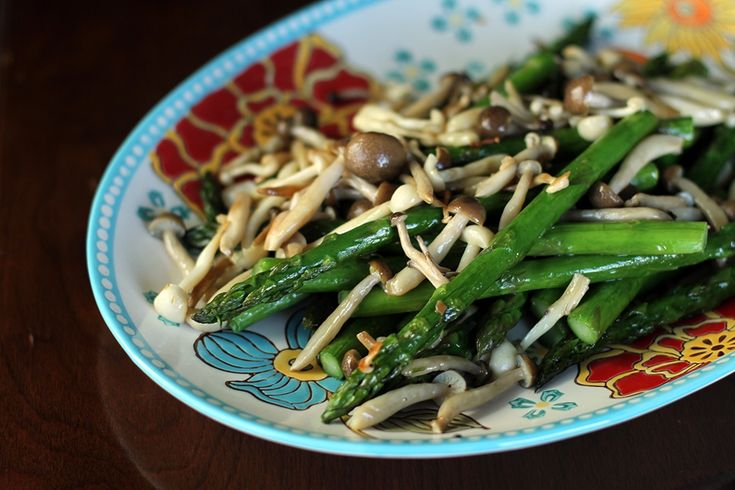 Roasted Beech Mushrooms & Asparagus