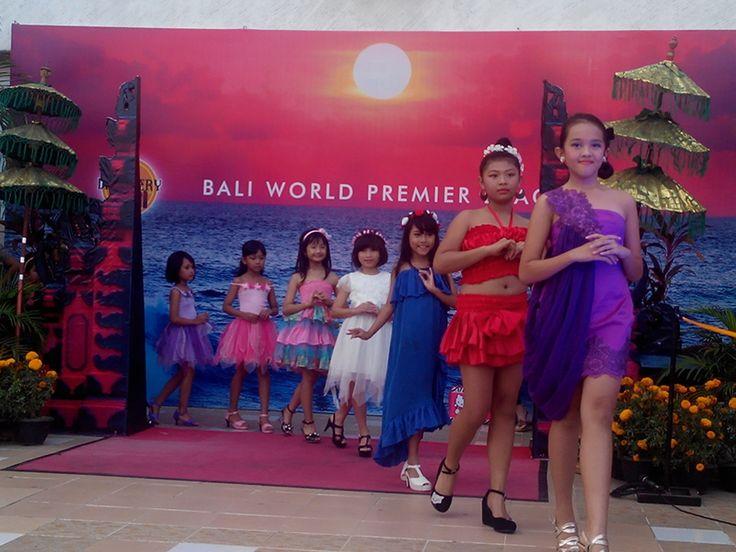 """ Bali's World Premier Beach Mall "" Discovery Shopping Mall, Jl. Kartika Plaza, Kuta 80361 P  : 0361 755522 W  : www.discoveryshoppingmall.com T  : @DISCOVERY_bali P  : http://pinterest.com/dsmbali I  : http://instagram.com/dsmbali Fb : http://www.facebook.com/pages/discovery-shopping-mall/"